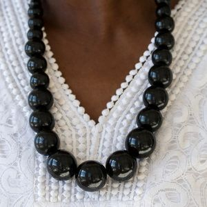 Refreshing Black Wood Bead Necklace Earring NWT